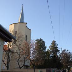 Baross Gábor-telepi Jézus Szíve Templom (Forrás: ittlakunk.hu)