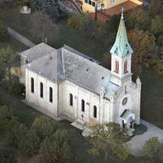 Budatétényi Szent István király-plébánia (Forrás: legifoto.com)