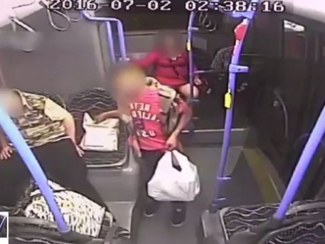A pofátlan tolvaj a 907-es buszon