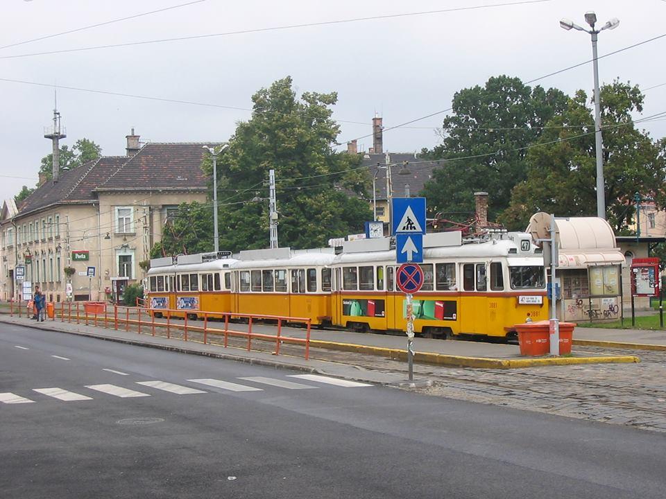 Átépítik a Városház téri buszmegállót