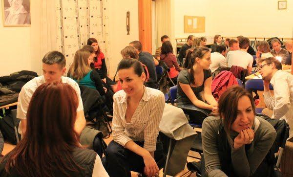 Az Idegen Nyelvű Klub összejövetele (forrás: Idegen Nyelvű Klub)